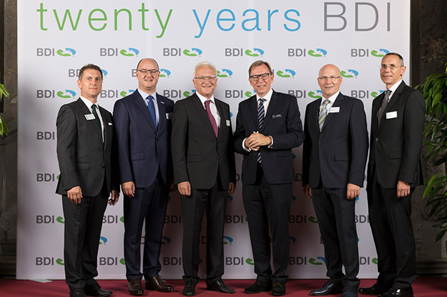 LTR.: Andreas Ehart (Member of the Board), Dr. Edgar Ahn (Member of the Board), Wilhelm Hammer (Company Founder), Dr. Christian Buchmann (Minister for Economic Affairs), Helmut Gössler (Company Founder), Markus Dielacher (Member of the Board)Photo by BDI - BioEnergy International AG Photographer: Otmar Winterleitner