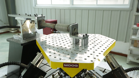 New Moog Hydraulic Simulation Table being tested in Wuxi XinDeBao, ChinaPhoto by Moog Unna GmbH