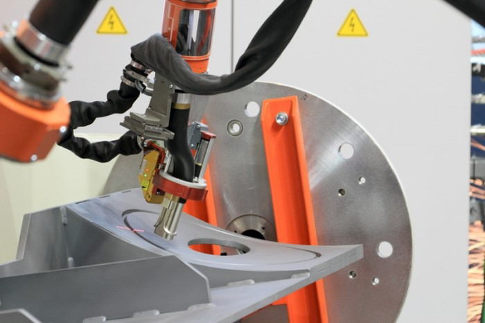 Igm Robotersysteme Flexible Compact Welding Robot