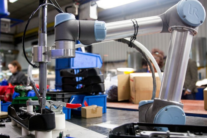 Universal Robots S Collaborative Robots Help Shad
