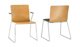 two office chairs. Design FLOW bei BRUNE